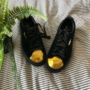 Black With Gold Toe Pumas